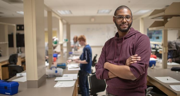 A Delta College electron microscopy student