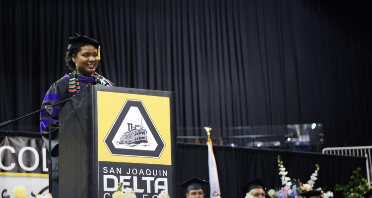 Cristal Harris delivers commencement speech