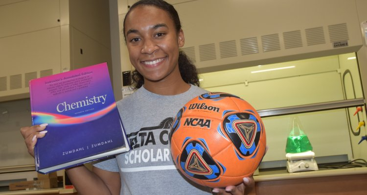"""San Joaquin Delta College student Makaelah Murray is organizing the """"Be More Than Your Sport"""" conference, encouraging student athletes to pursue academic goals."""