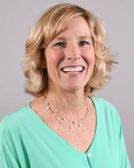 Photo of Elizabeth Waters
